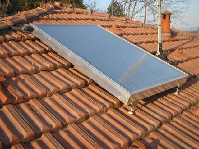 Pannello Solare Termico Integrato Tetto : Risorse solari pannelli fotovoltaici solare termico arredo